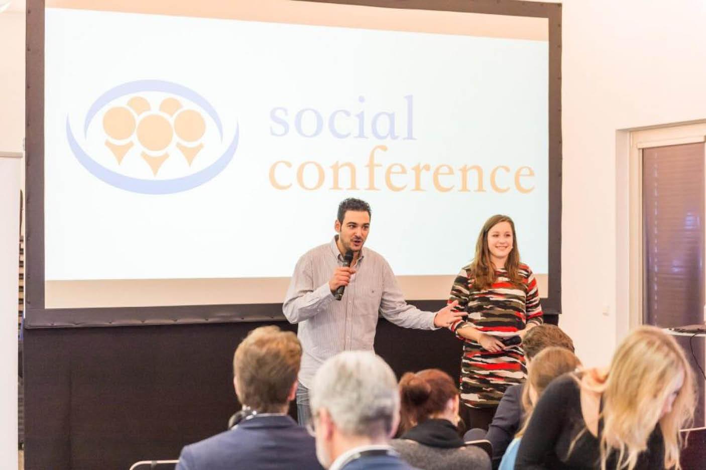 Hakan Han vor Publikum auf der Social Conference München